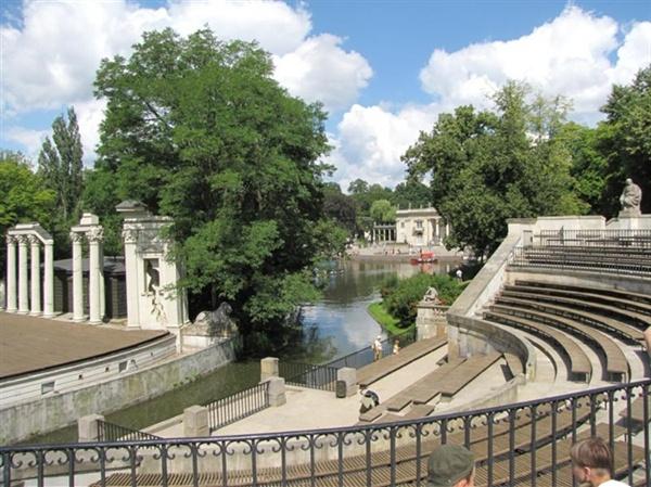 Warszawa łazienki Królewskie Amfiteatr I Pałac Na Wodzie