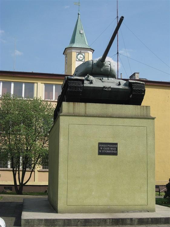 Czołg T-34 w Ścinawie