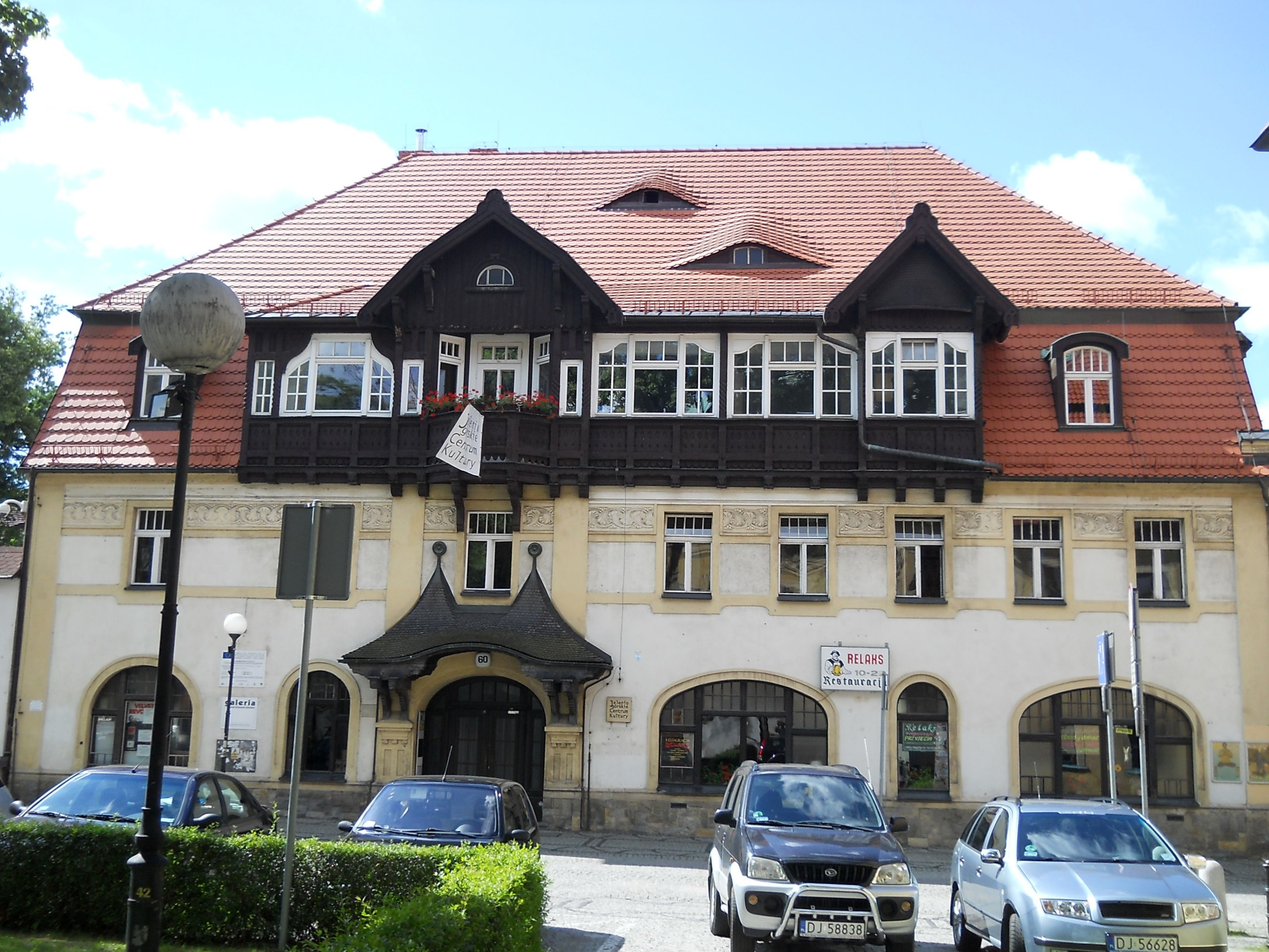 Jelenia Góra, dawny hotel  Pod Brązowym Jeleniem   wrzesień 2010 r