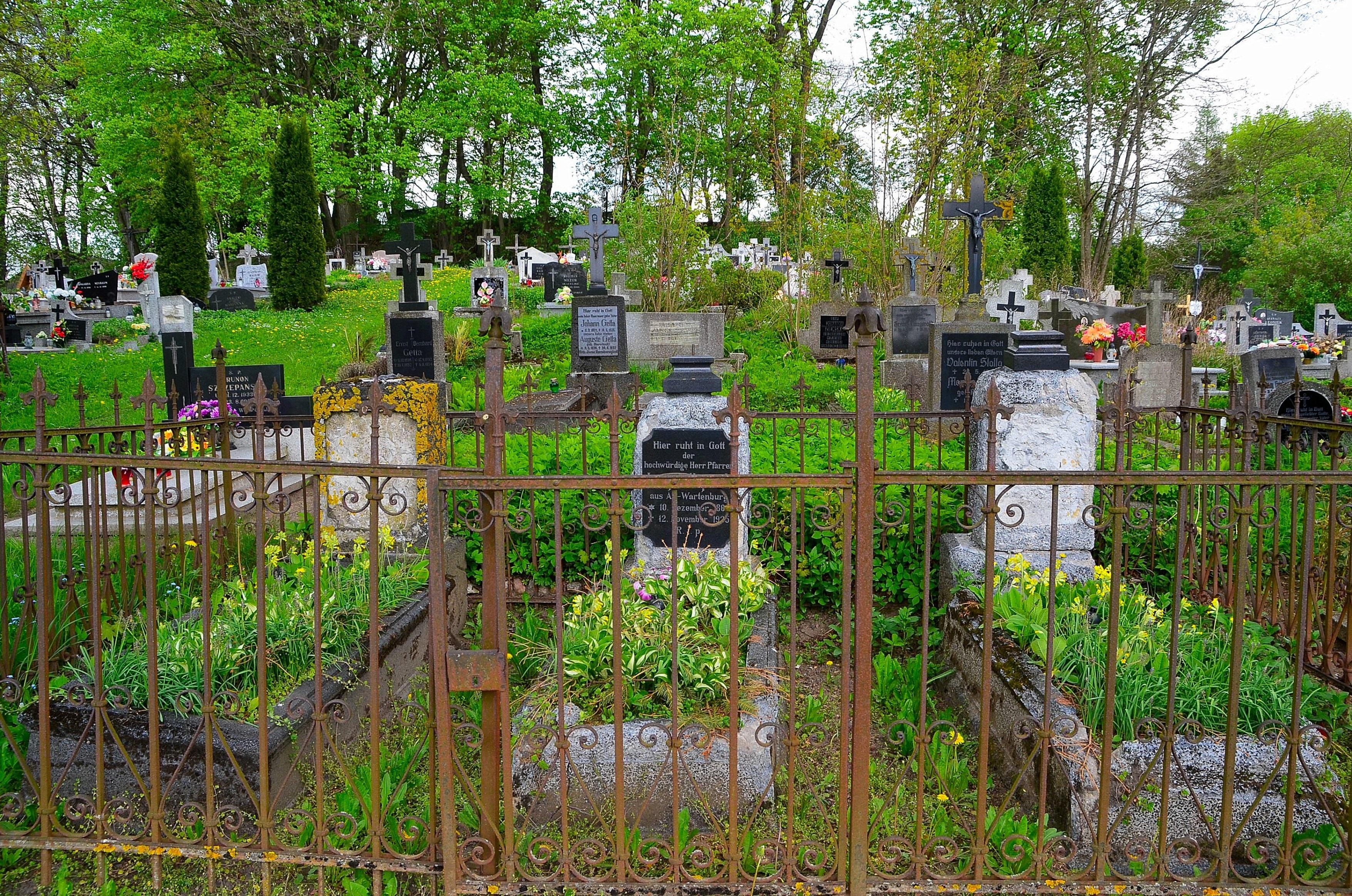 Znalezione obrazy dla zapytania giławy cmentarz